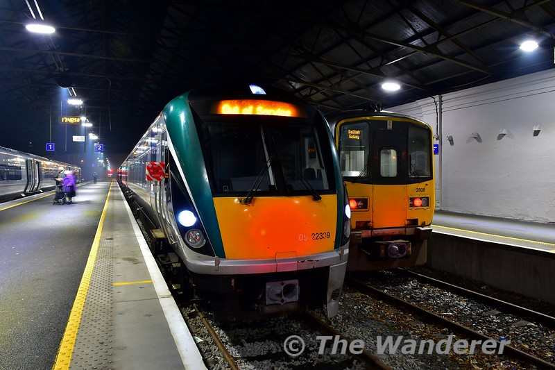 22039 was very unusually allocated to the 1530 Heuston - Limerick service on Monday 2nd December covering for a shortage of 4ICR sets. We see the set after arrival at Limerick. On the right is 2808 + 2807 with the 1805 to Galway. Mon 02.12.19