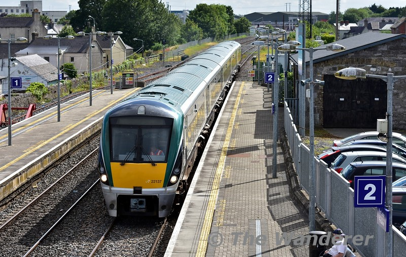 22037 accelerates through Portlaoise with the 1702 Laois Depot - Heuston empty. It would fom the 1830 to Galway from Heuston. Mon 01.07.19