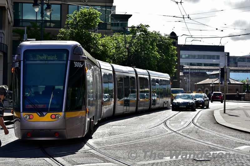 3006 heads into the IFSC from Busaras. Tues 11.06.19
