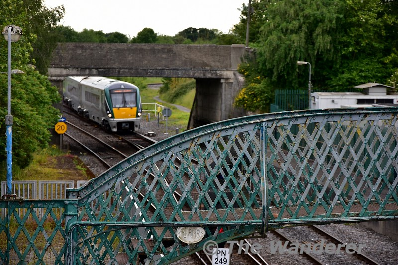 22042 is pictured at Portarlington as it arrives with the 1505 Galway - Heuston. Tues 11.06.19