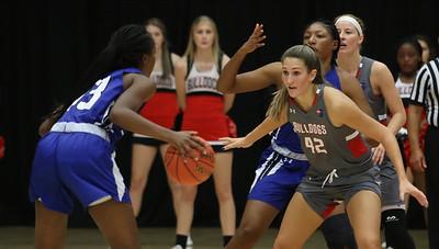 Gardner-Webb's women's basketball team taking the lead against Chowan in the first half, 46-18.