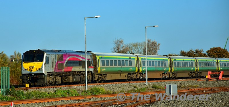The 1100 Heuston - Cork was a fresh set ex Inchicore formed of set 4004. Unusualy it had Enterprise liveried 228 allocated to it and it is seen passing Laois Traincare Depot. Fri 08.11.19