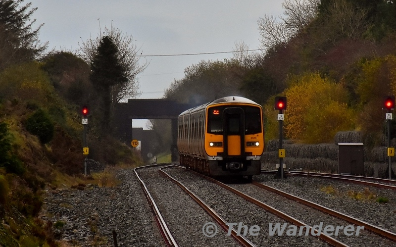 2610 + 2613 + 2601 + 2602 approach Rathmore with the 1450 Cork - Tralee. Sun 03.11.19