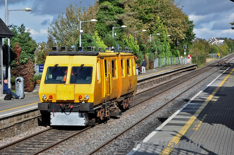 Track Recording Car 700 was out today working 1115 Limerick - Kildare. It is seen passing Portlaoise with another 21 miles left on its journey. Wed 09.10.19