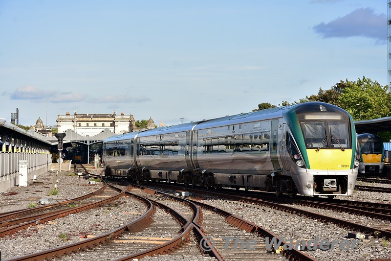 22061 arrives into Heuston with the 1450 from Waterford. Thurs 05.09.19