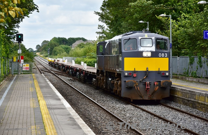 083 arrives at Portlaoise with the 1310 North Wall - Portlaoise Empty Panel Train. Thurs 05.09.19