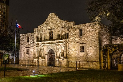 DA040,DT,Night_Colors_On_San_Antonio_Texas-Alamo