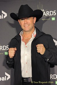 Aaron Pritchett - CCMA Awards - 9-19 D 8388