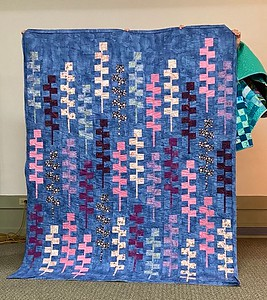 Lansing Lupines also pieced and quilted by John Putnam.  Pattern by Gudrun Erla of GEDesigns