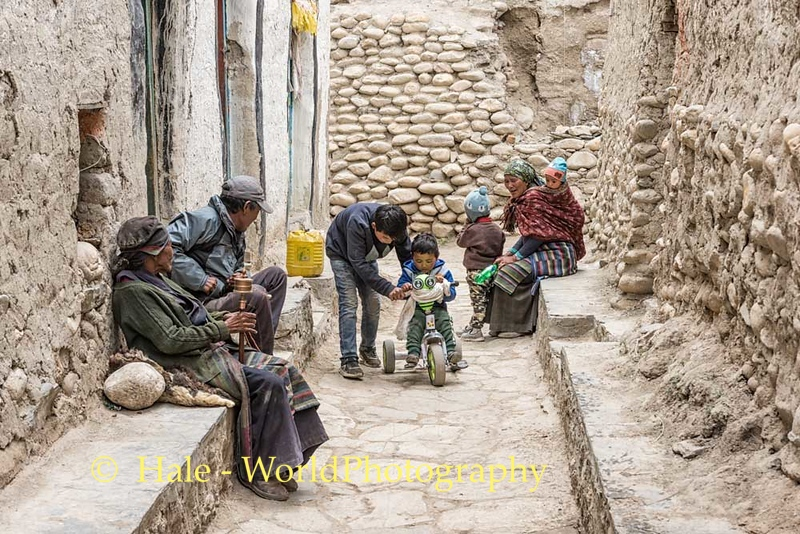 Street Life in Lo Manthang