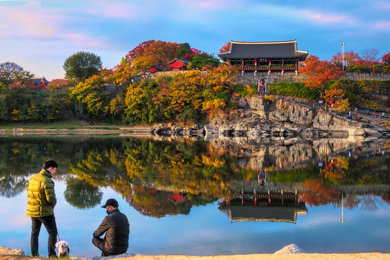Autumn Reflections of Jinju Fortress on the Namgang