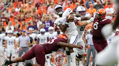 LB Rayshard Ashby (23) sacks Furman QB Darren Grainger in the first quarter. (Mark Umansky/TheKeyPlay.com)