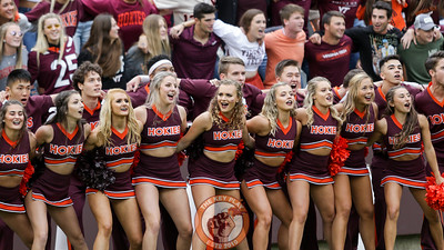 The Virginia Tech cheerleaders get ready for kickoff. (Mark Umansky/TheKeyPlay.com)