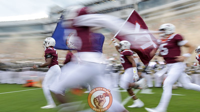 The Hokies run onto the field during Enter Sandman. (Mark Umansky/TheKeyPlay.com)