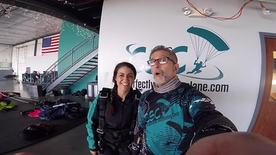 1858 Jaclyn Ferraro Skydive at Chicagoland Skydiving Center 20190406 Chris Chris