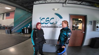 1332 Maha Elkott Skydive at Chicagoland Skydiving Center 20190428 Breezy Klash