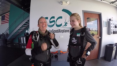 1537 Alyssa Molitor Skydive at Chicagoland Skydiving Center 20190526 Jenny Breezy