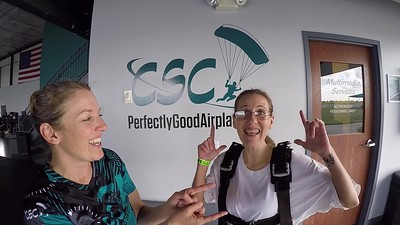 1754 Jaci C Skydive at Chicagoland Skydiving Center 20190526 Jenny Chris
