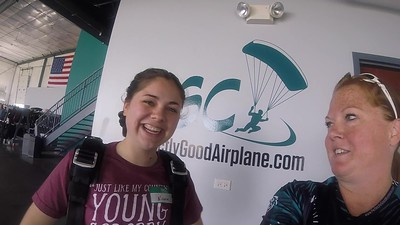 1246 Nicole Neumann Skydive at Chicagoland Skydiving Center 20190530 Breezy Breezy