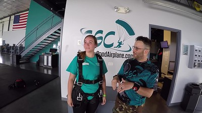 1447 Jenna Martel Skydive at Chicagoland Skydiving Center 20190601 Carlos Wilkins
