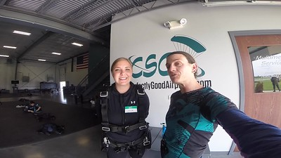 1734 Chloe Oteri Skydive at Chicagoland Skydiving Center 20190602 Jo Breezy