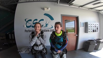 1548 Sarah Powell Skydive at Chicagoland Skydiving Center 20190602 Jo Klash