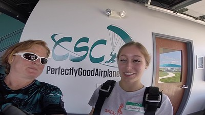1337 Aubrey Knoblauch Skydive at Chicagoland Skydiving Center 20190607 Breezy Breezy