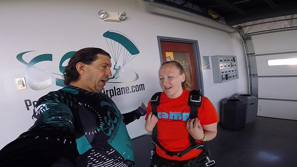 0900 Amy Hanouw Skydive at Chicagoland Skydiving Center 20190608 Blane Blane