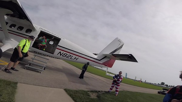 1026 Adam Harris Skydive at Chicagoland Skydiving Center 20190622 Ivan Ivan
