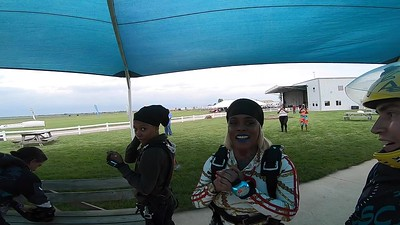 1842 Ticara Herron Skydive at Chicagoland Skydiving Center 20190622 Ivan Ivan