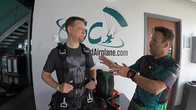 1713 Kyle Johnson Skydive at Chicagoland Skydiving Center 20190629 Carlos Blane