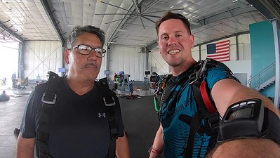 1300 Juvenal Corral Skydive at Chicagoland Skydiving Center 20190630 Eric Eric