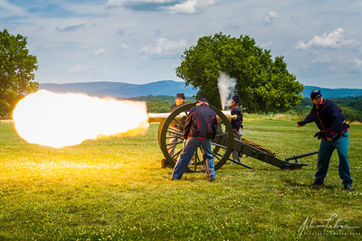 Battery B artillery demonstration