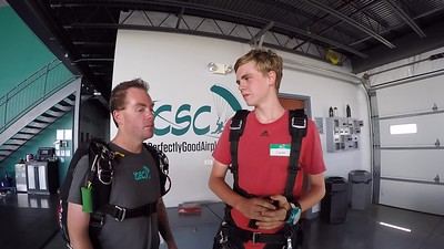 1521 Carson Heckman Skydive at Chicagoland Skydiving Center 20190727 Hoover Breezy