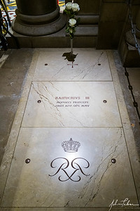 Grave of Prince Ranier III in the Monaco Cathedral