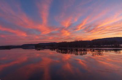 DA079, Sunrise on the River