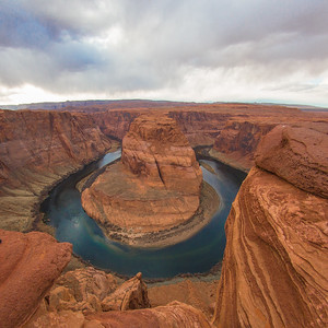 DA040,DN,Sun_Setting_Cloudy_Day_Horseshoe_Bend