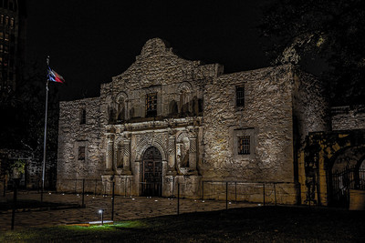 DA040,DT,Alamo_Remembered_At_Night_San_Antonio_TX