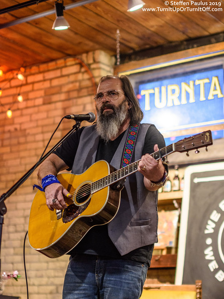 Steve Earle @ Sonic Boom Records, Toronto, On, 8-April 2019