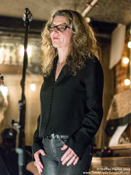 Kim Stockwood joins Damhnait Doyle @ Dakota Tavern, Toronto, ON, 23-April 2019