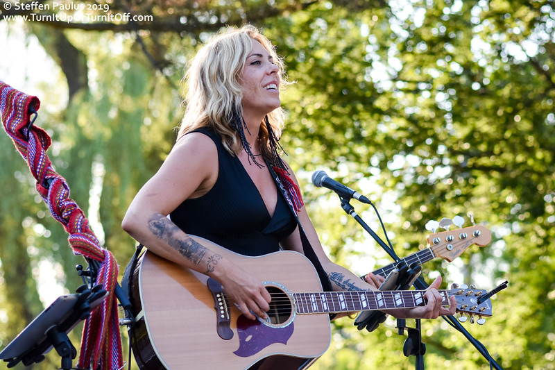 Amanda Rheaume @ Toronto Botanical Garden, Toronto, ON, 11-July 2019