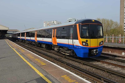 18 April 2019 :: London Overground Class 378/1 No. 378 150 leaves Clapham Junction working 9H22, the 1045 to Dalston Junction