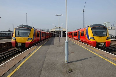 18 April 2019 :: Two Class 707 EMU's at Clapham Junction 707 007 with 2U24, the 0953 from Windsor & Eton Riverside to Waterloo 707 026 on 2K17, the 0927 from Waterloo to Waterloo via Kingston and Twickenham