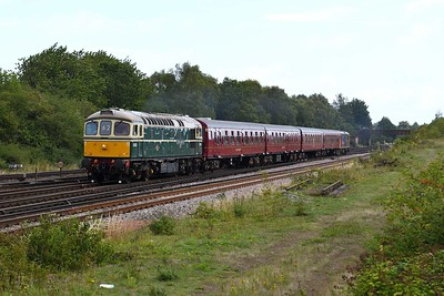 """17 August 2019 :: 33012 is at Worting powering 1Z82, """"The Lost Village of Imber"""" from Waterloo to Warminster with 4TC 8028"""
