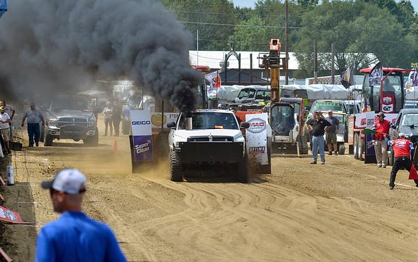 MET 082319 Tractor Pull