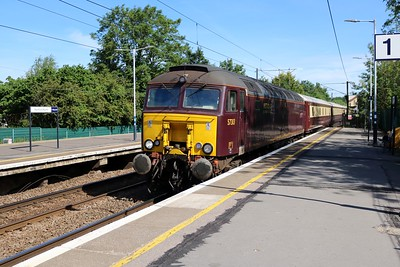 57313 tnt 57601 0949/1z25 Norwich-Bristol Temple Meads passes Hertford North