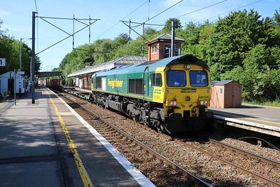 66524 0945/4E24 Felixstowe-Leeds passes Hertford North