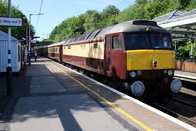 57313 tnt 57601 0949/1z25 Norwich-Bristol Temple Meads passes Hertford Nort