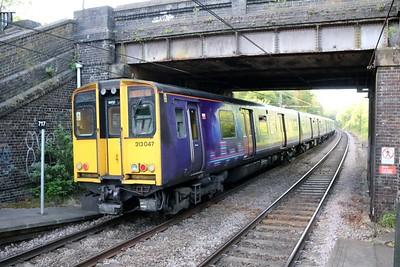 313049_047 0717/2j24 Watton-Moorgate departs Bayford