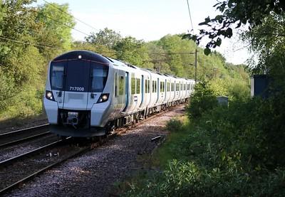 717008 0754/2j30 Stevenage-Moorgate approaches Bayford